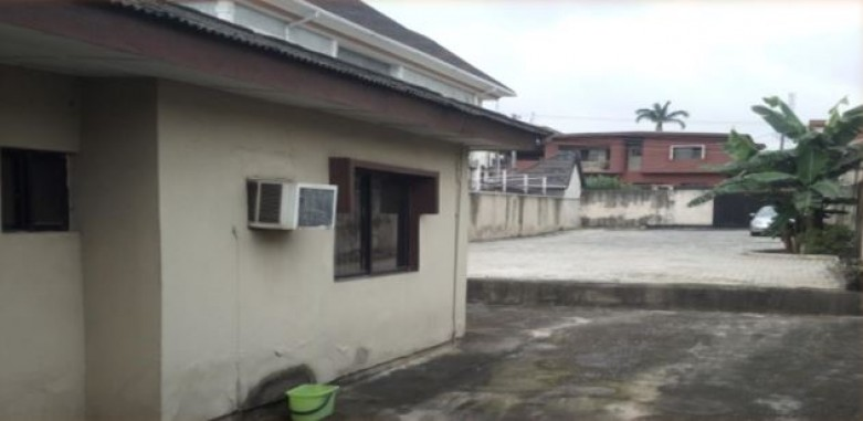 972 Sqm Plot at Ogudu G.R.A available for Joint Venture